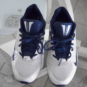Nike LaCrosse tennis shoes
